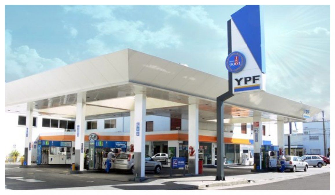 YPF dio marcha atrás y suspendió el aumento de combustibles