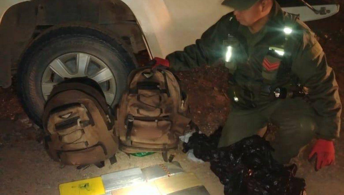 Con 36 kg de cocaína en su camioneta embistió el control e intentó fugarse