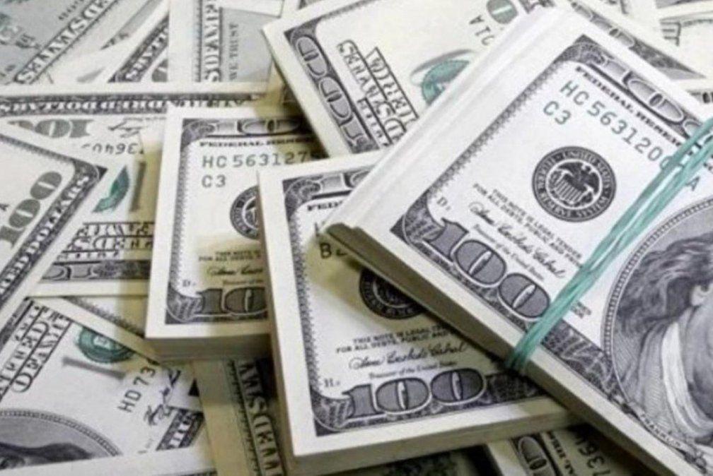El dólar cerró el año con una suba del 62%