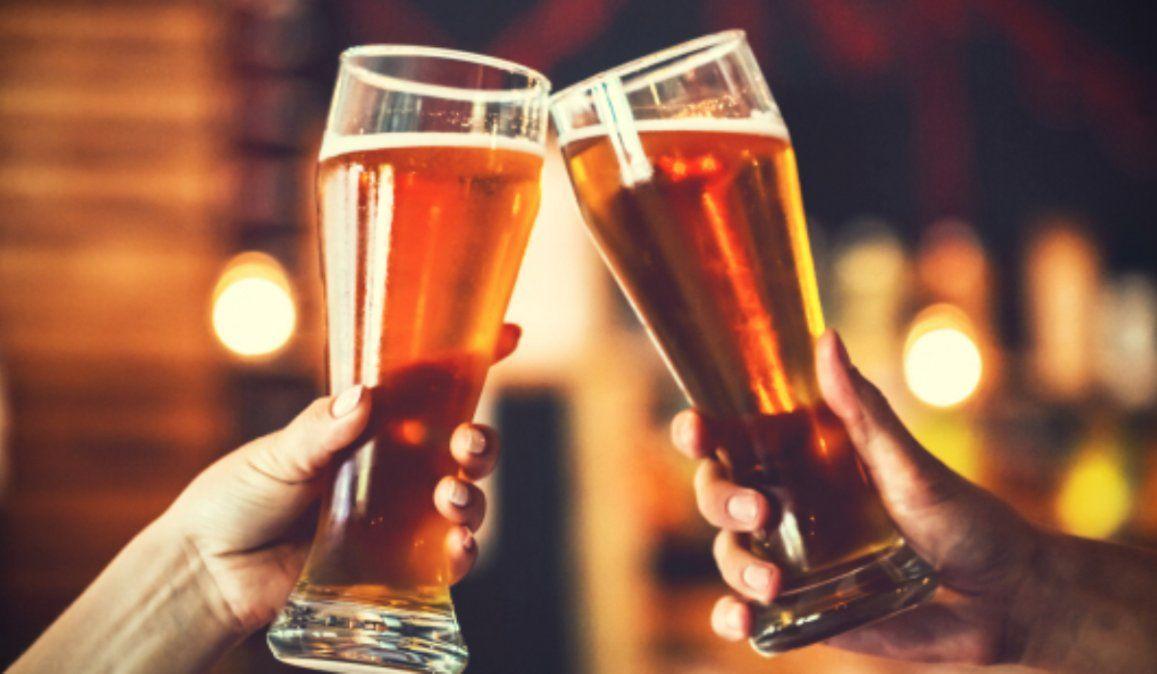 Consejos que te ayudarán a beber con moderación durante año nuevo