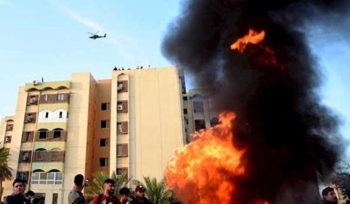 Atacaron la embajada de EEUU en Bagdad y una base aérea