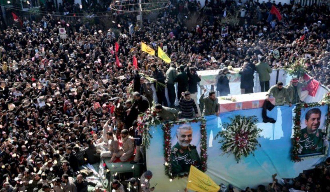 Estampida en el funeral de Qassem Soleimani dejó al menos 35 muertos
