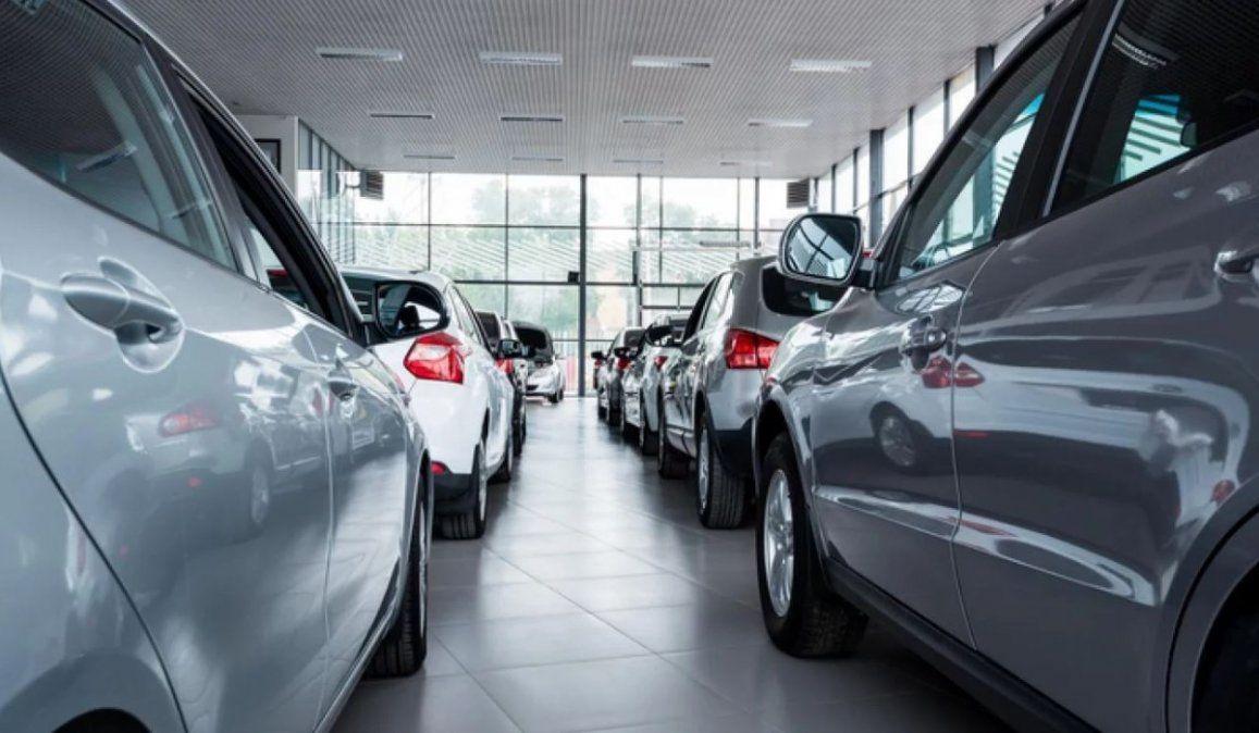 Se necesitan casi 18 sueldos para comprar un 0 km, 3 más que hace un año