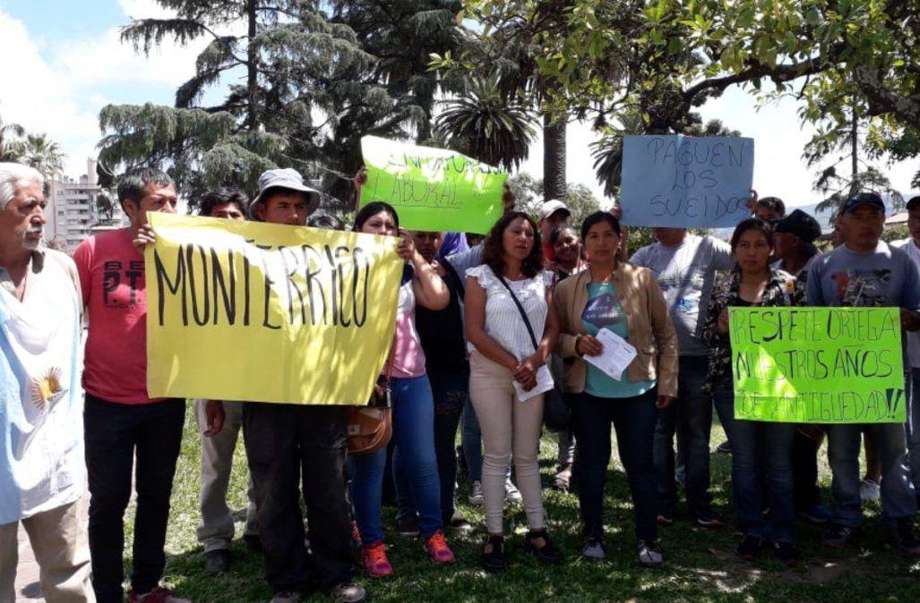 El reclamo de empleados municipales despedidos de Monterrico llegó a Casa de Gobierno