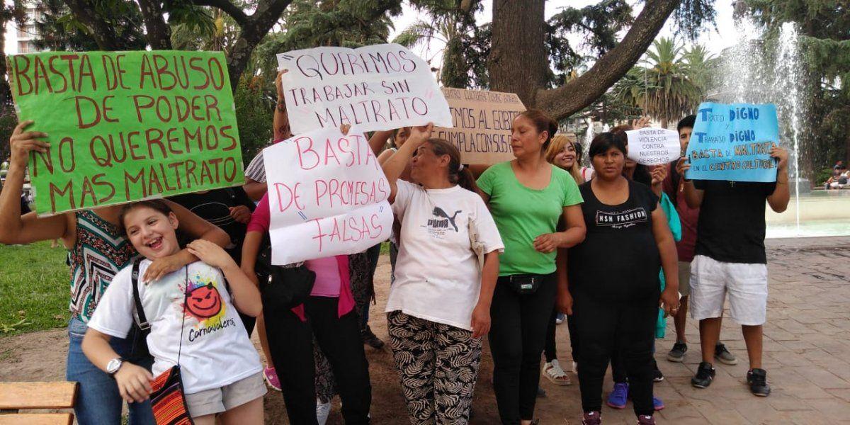 Denuncian persecución laboral e intento de acomodo en el Centro Cultural de Barrio Tupac