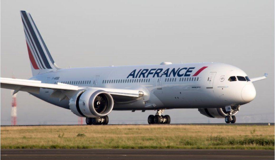 Encuentran un niño muerto en el tren de aterrizaje de un avión francés