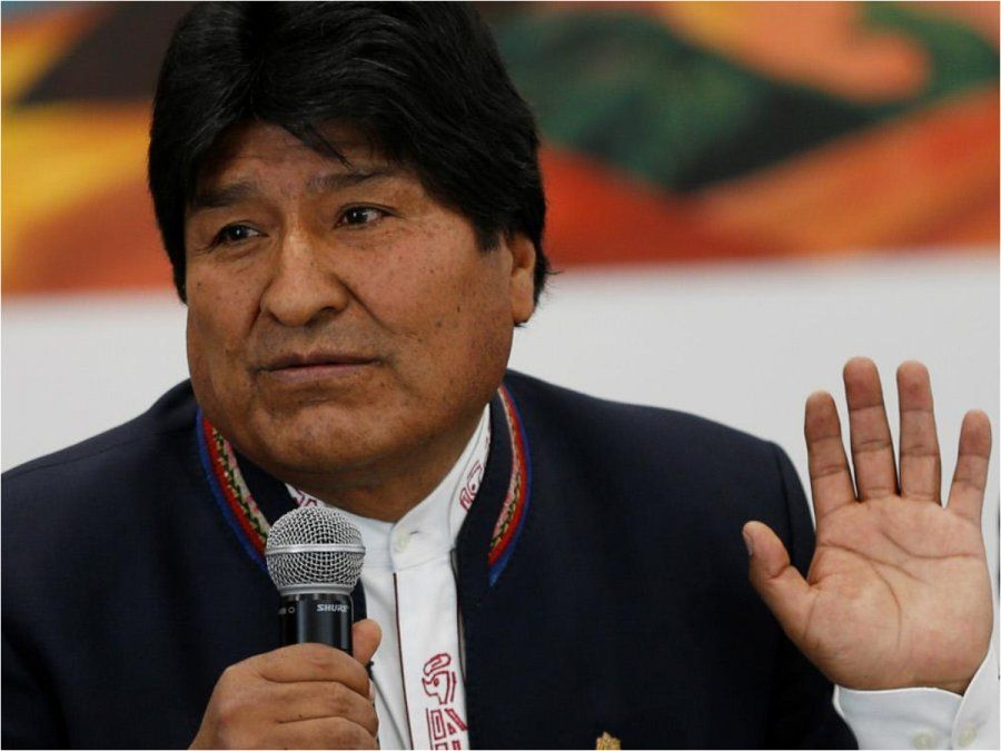 Ordenan investigar a 600 miembros del gobierno de Evo Morales