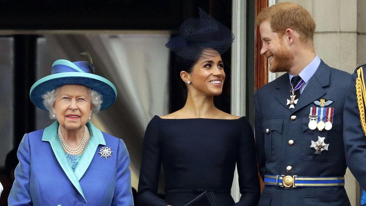 La reina Isabel le puso un freno a la renuncia del príncipe Harry y Meghan Markle a sus funciones