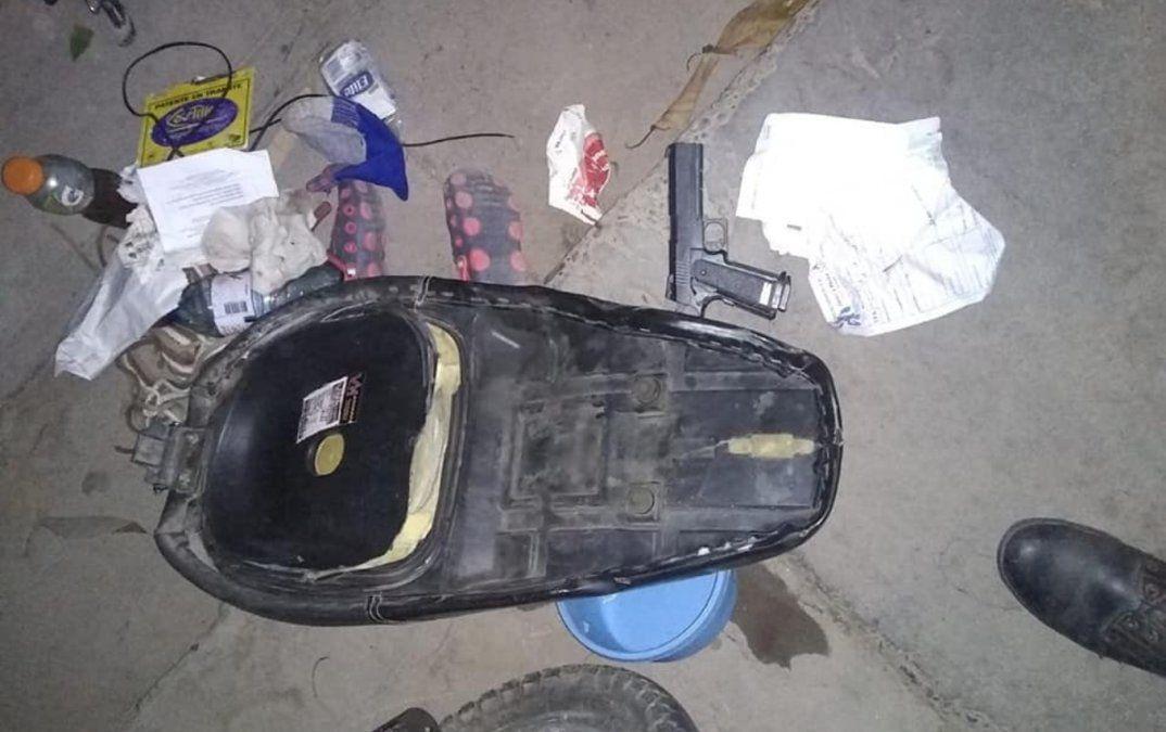 Dos detenidos con una pistola de juguete en Perico