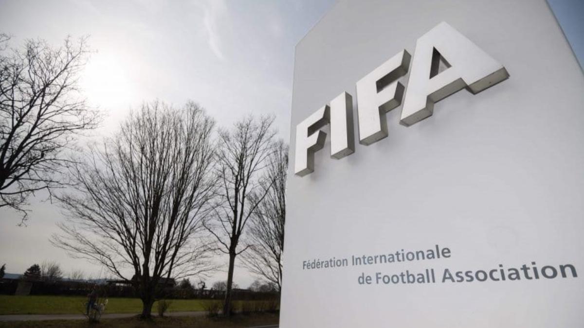 FIFA limitará la cantidad de negociaciones de los clubes