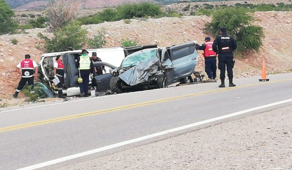 Tres turistas fallecieron en un accidente automovilístico