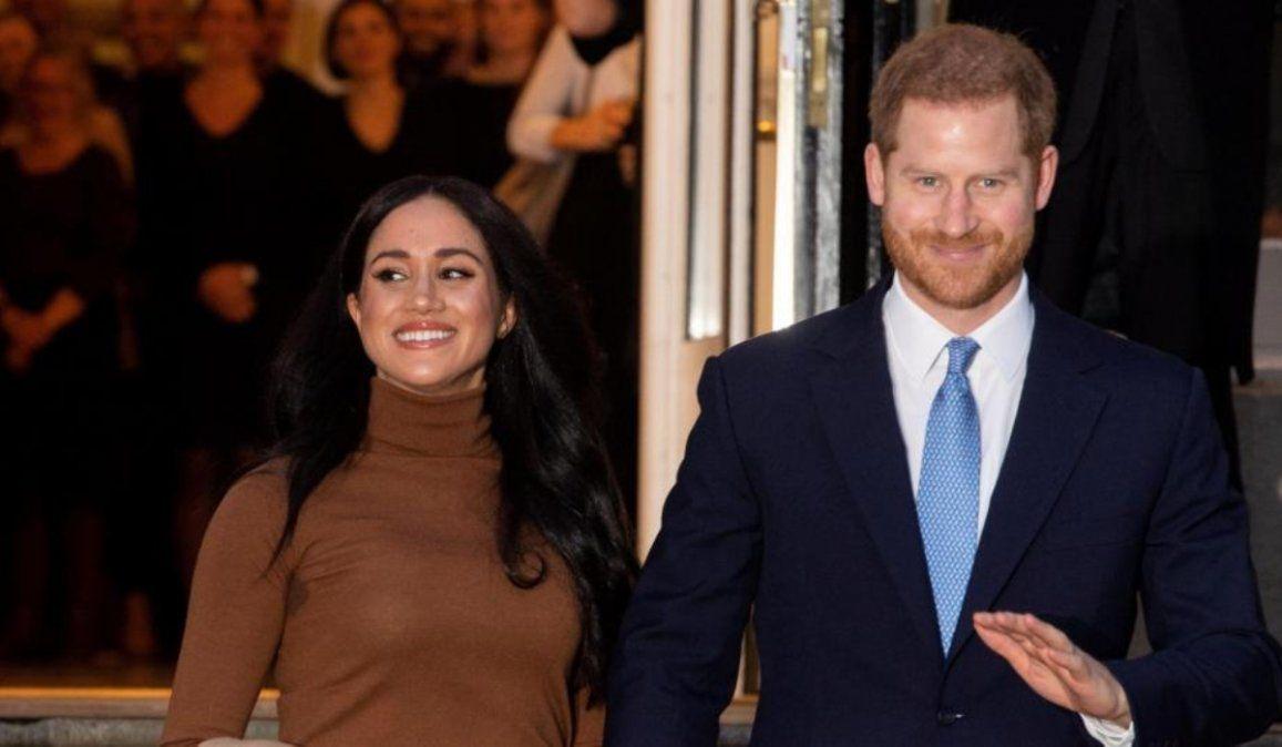El príncipe Harry llegó a Canadá tras retirarse de la familia real