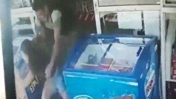 Intentó abusar de una joven y quedó escrachado por las cámaras de seguridad