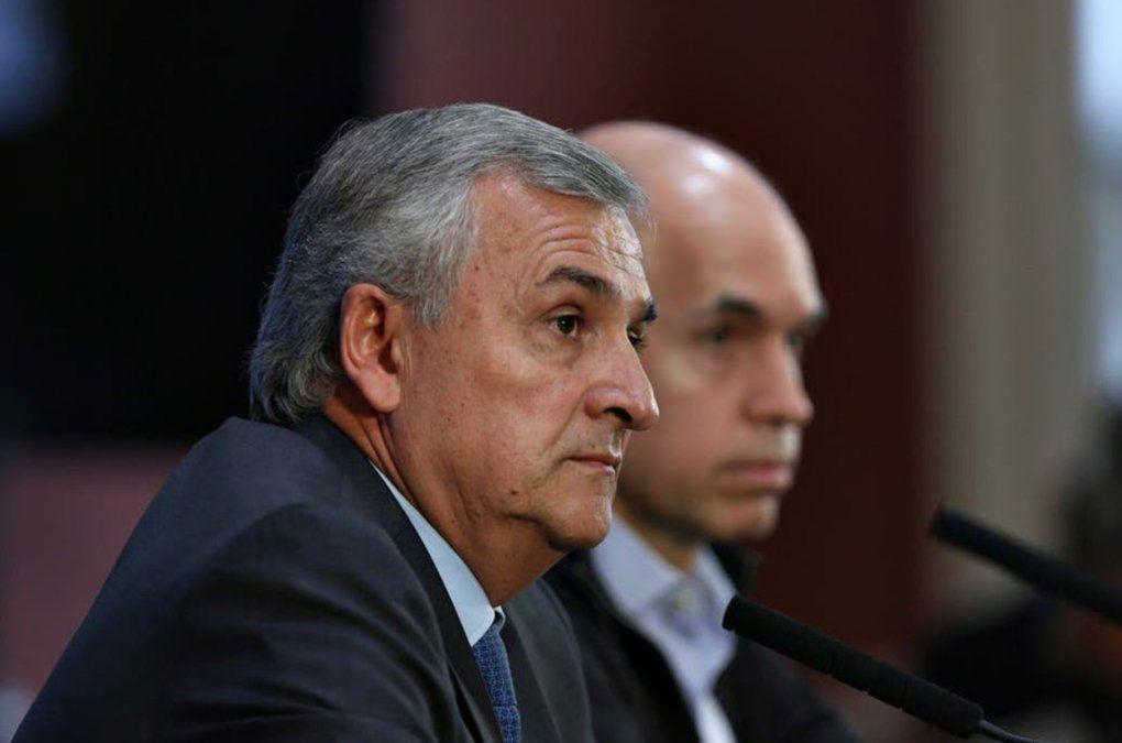 Morales y otros gobernadores presionan al oficialismo por la deuda