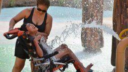 abren el primer parque acuatico para personas con discapacidad