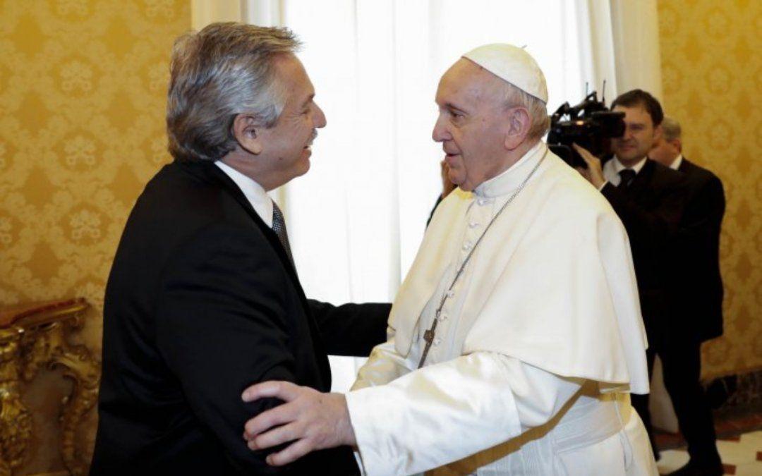Primer encuentro oficial entre Alberto y el Papa Francisco