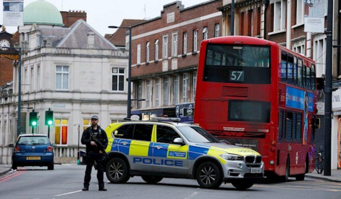 Tres personas heridas en Londres por supuesto ataque terrorista