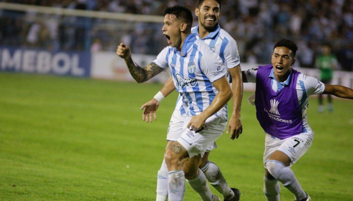 El insólito penal que le dio vida a Atlético Tucumán