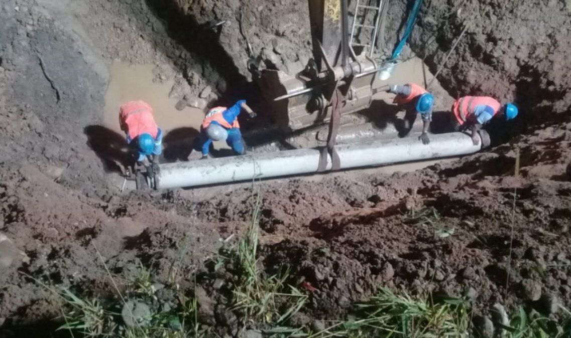 Después de casi una semana sin agua, empiezan a restablecer el servicio