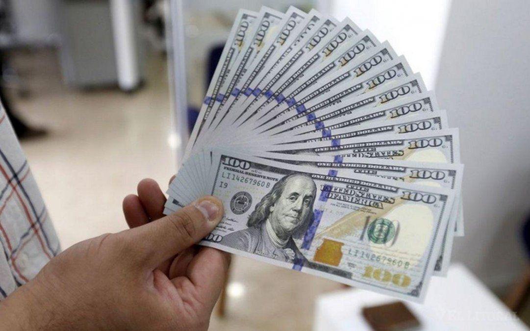 El dólar registró la mayor suba semanal desde el cepo: quedó cerca de los $83