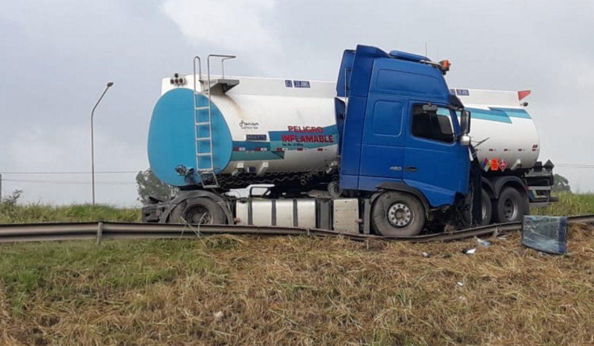 Descarriló un camión y está cortada la Ruta 66