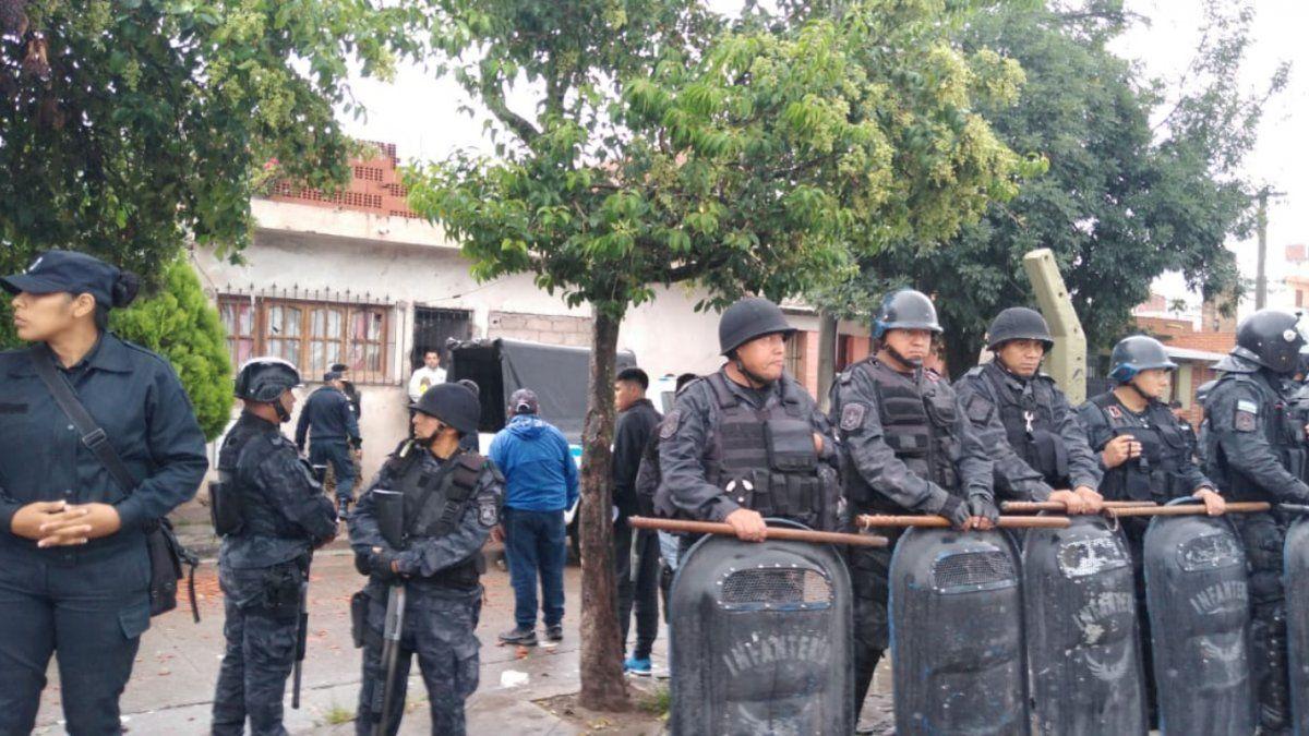 Asesinaron a un joven en la plaza de barrio San Isidro
