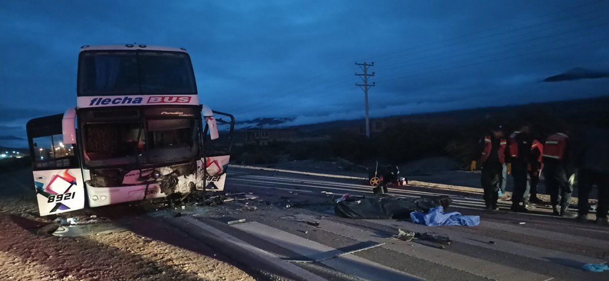 Terrible choque frontal rumbo al norte, hay dos víctimas fatales