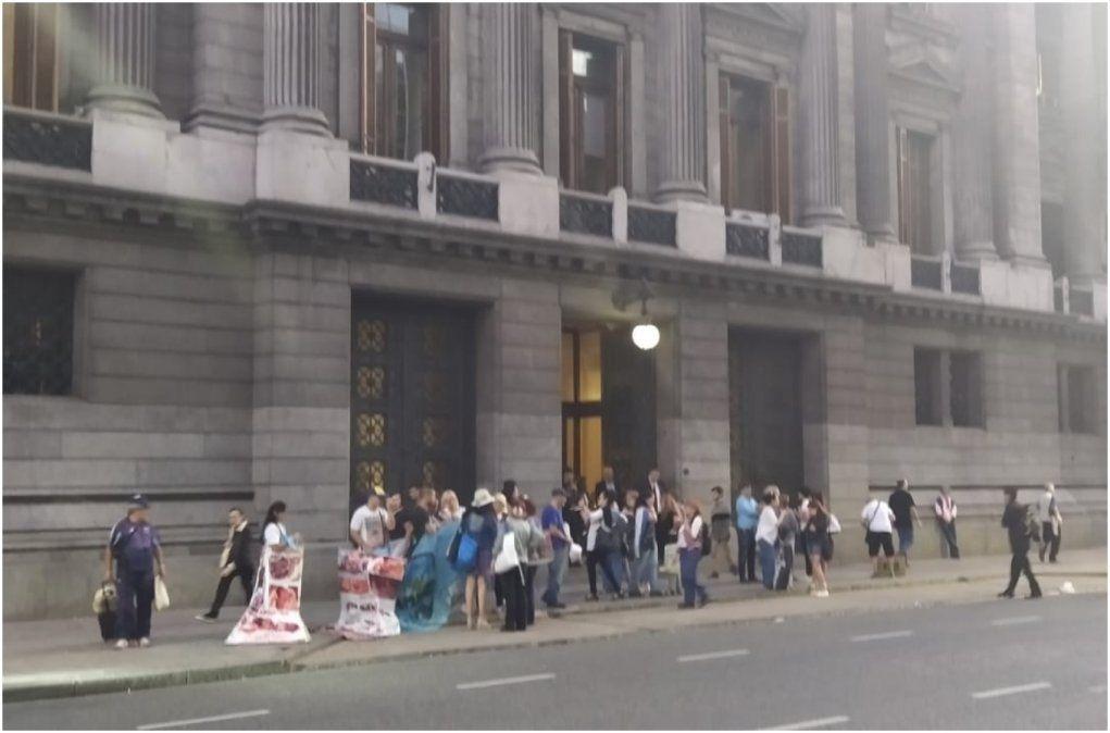 Congreso: pancartas en contra de una posible intervención a la justicia en Jujuy