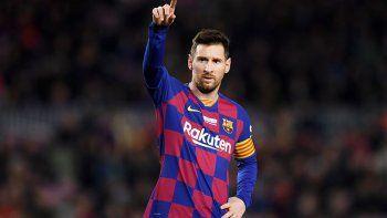 Con críticas a la dirigencia, Messi anunció que se baja el sueldo un 70%