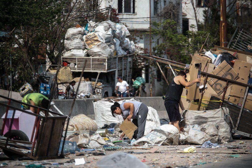 La pobreza trepó hasta el 35,5% y alcanzó a más de 16 millones de personas