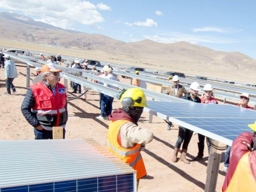 Recorrida. El gobernador Gerardo Morales en el parque solar Cauchari. (prensa gobierno de Jujuy)