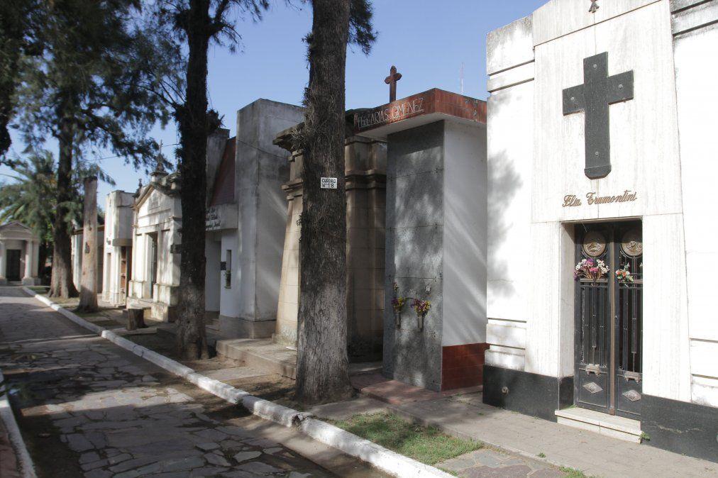 La apertura de los cementerios se posterga una semana