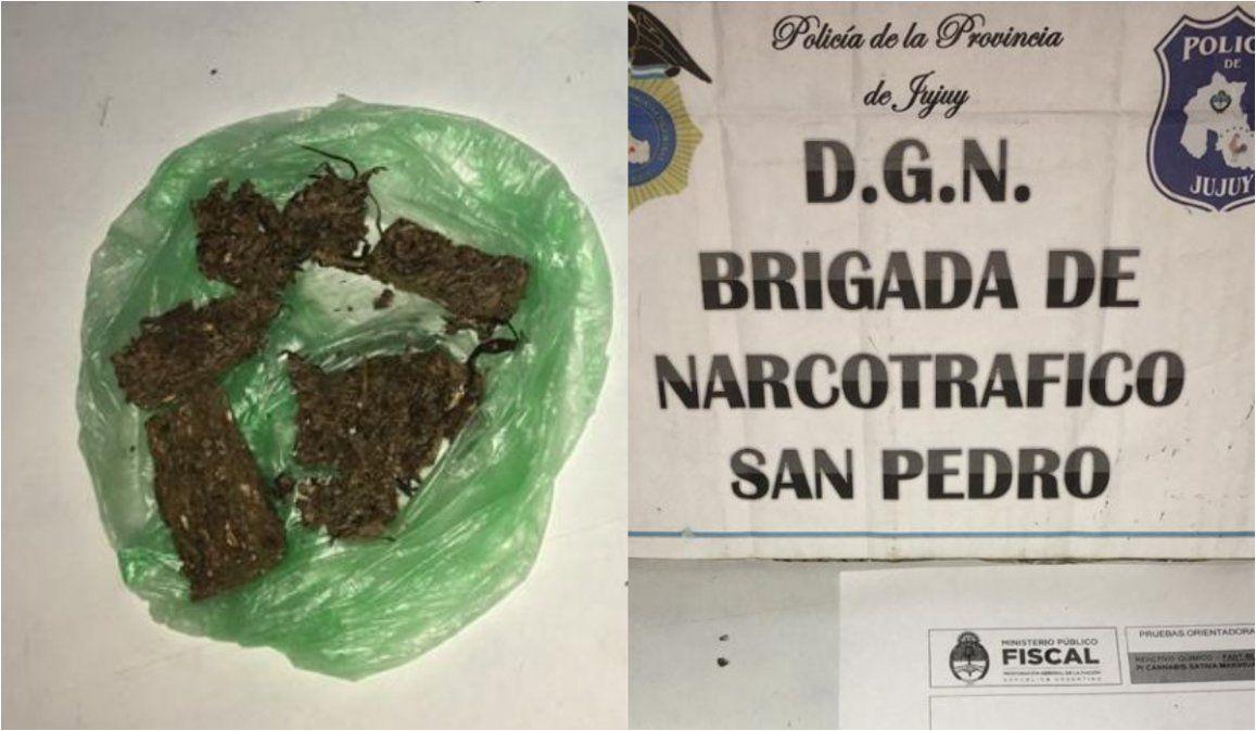 No podían justificar su circulación, los detuvieron y les encontraron marihuana
