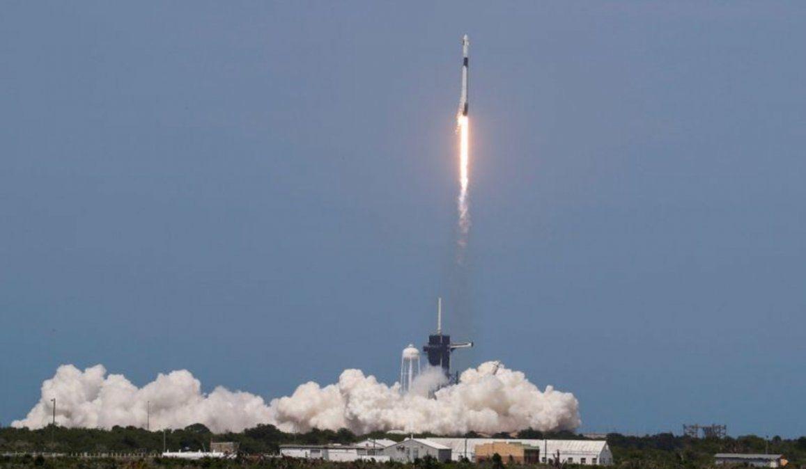 Histórico lanzamiento de Space X y la NASA: Crew Dragon va hacia la Estación Espacial Internacional