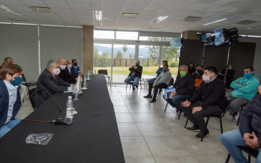 El gobierno se reunió con empresas transportistas locales