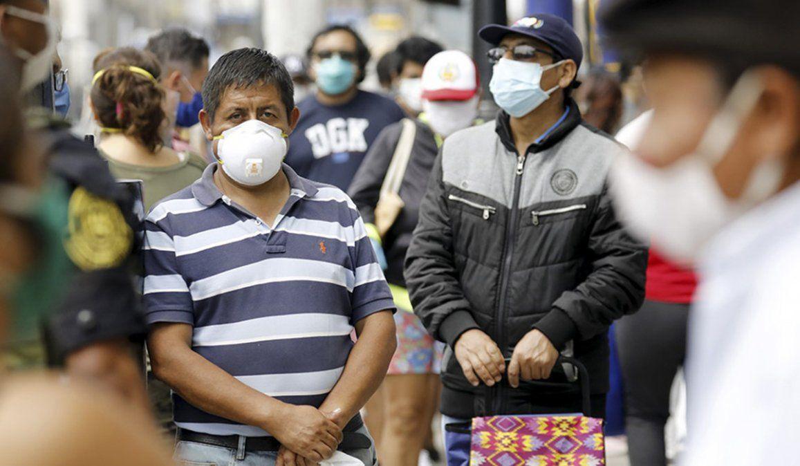 Perú superó a China en muertos, pero planea reanudar actividades económicas