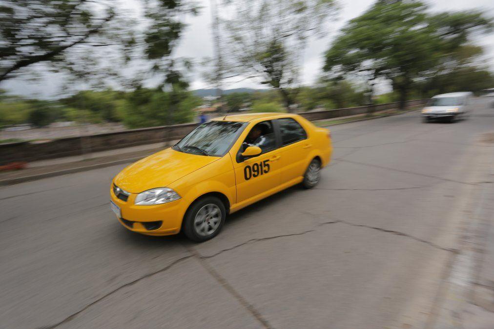 Taxis volvieron a funcionar como deliverys: estas son las tarifas
