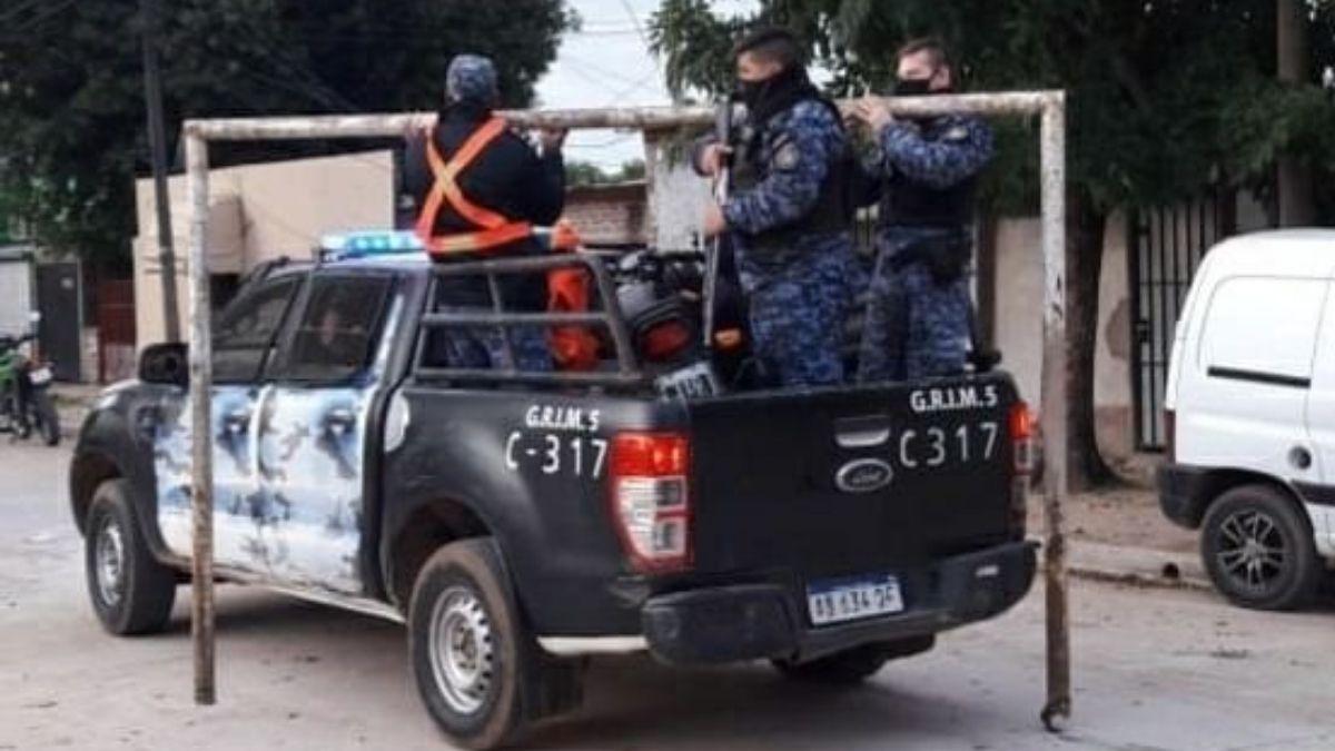 Corrientes: secuestraron los arcos de fútbol para que no jueguen en el barrio
