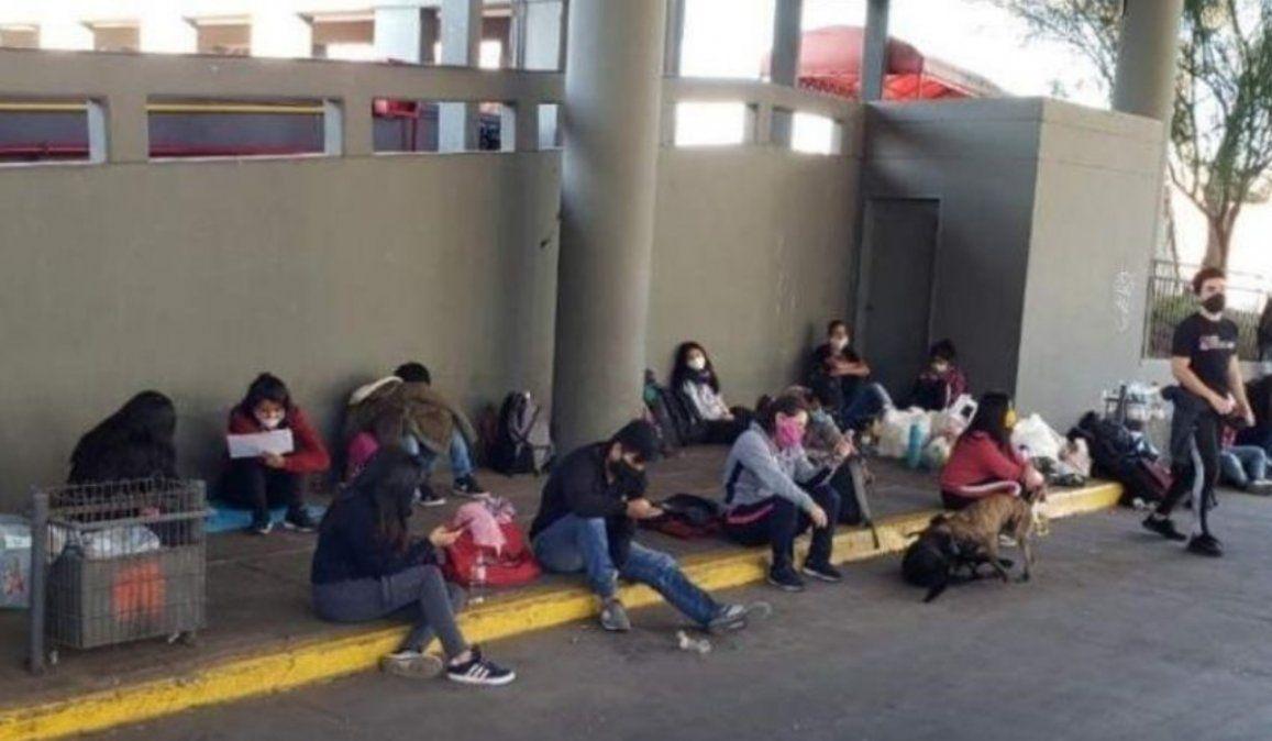 Gran cantidad de jujeños, entre ellos menores, están varados en Córdoba