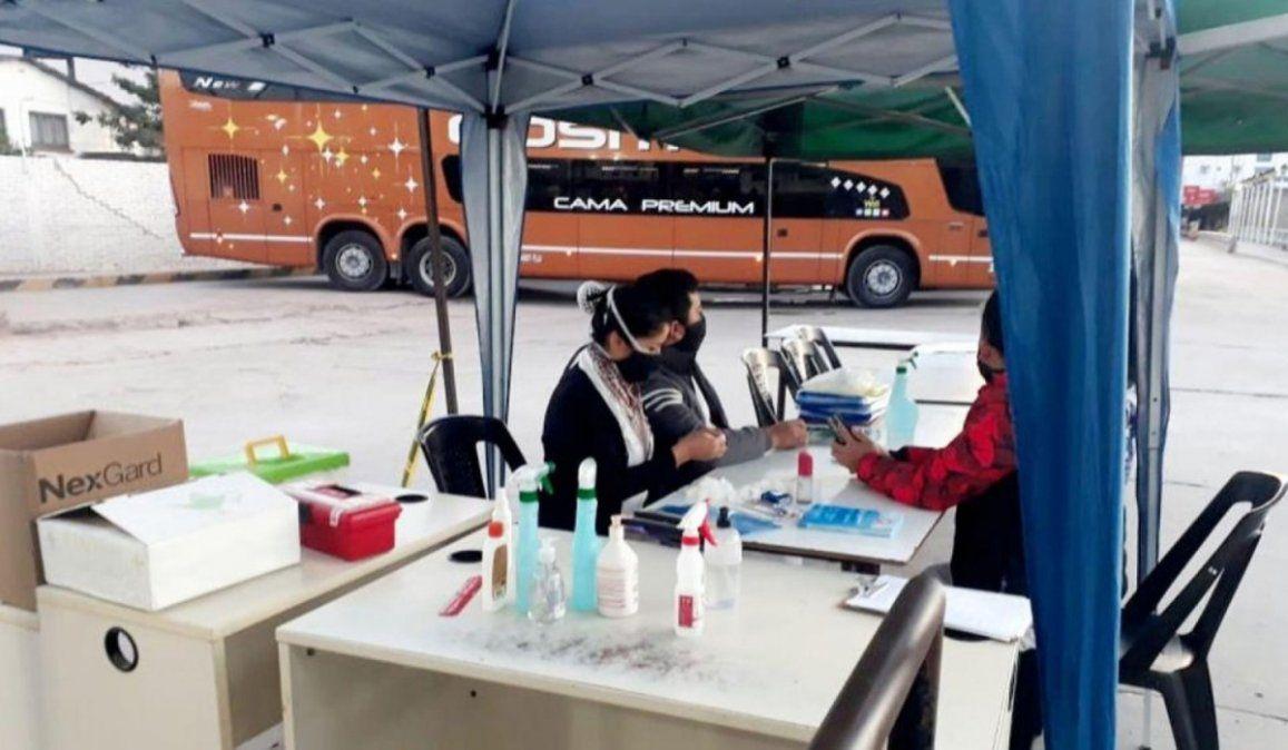 Colectivo jujeño con destino a Salta llevaba un pasajero que dio positivo por coronavirus