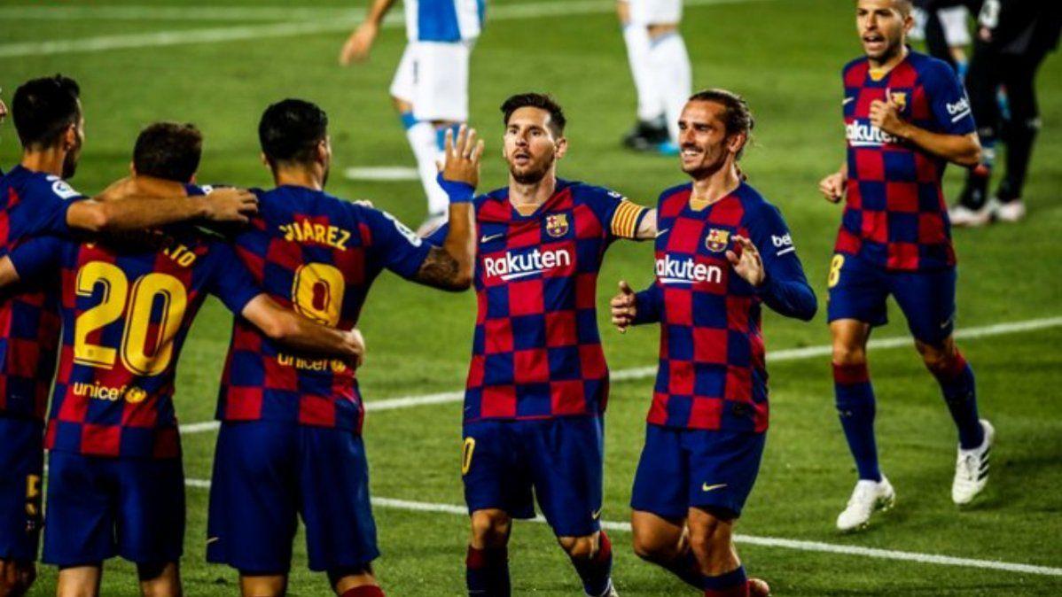 Barcelona le ganó a Espanyol en un duelo trascendental y lo mandó al descenso