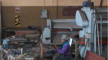 Con la actividad paralizada, metalúrgicos solicitan un plus de $6.000