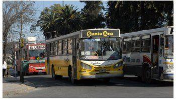 Transporte: Ninguna empresa canceló los haberes de Julio ni el aguinaldo