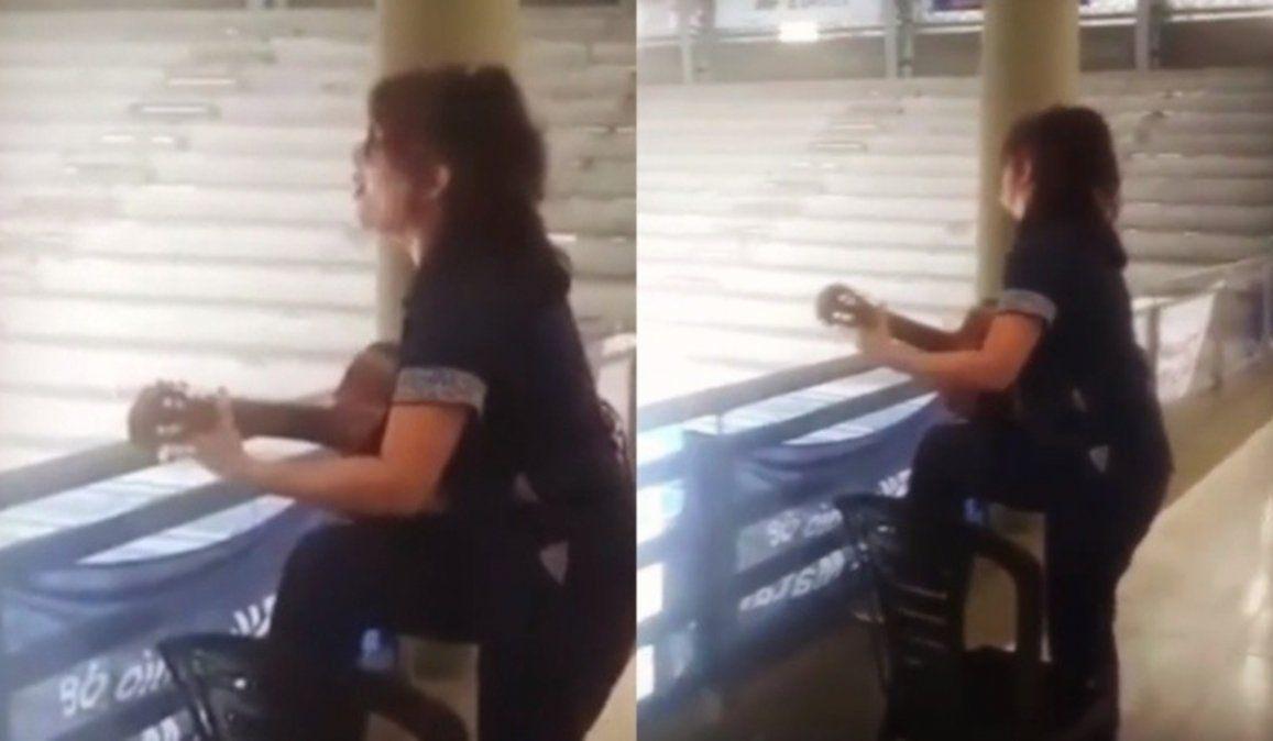 Una médica canta El amor después del amor a pacientes con Covid-19