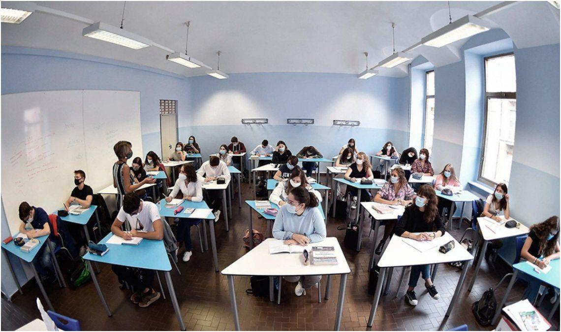 Italia: A días del reinicio de clases, hubo 13.000 contagios entre el personal docente