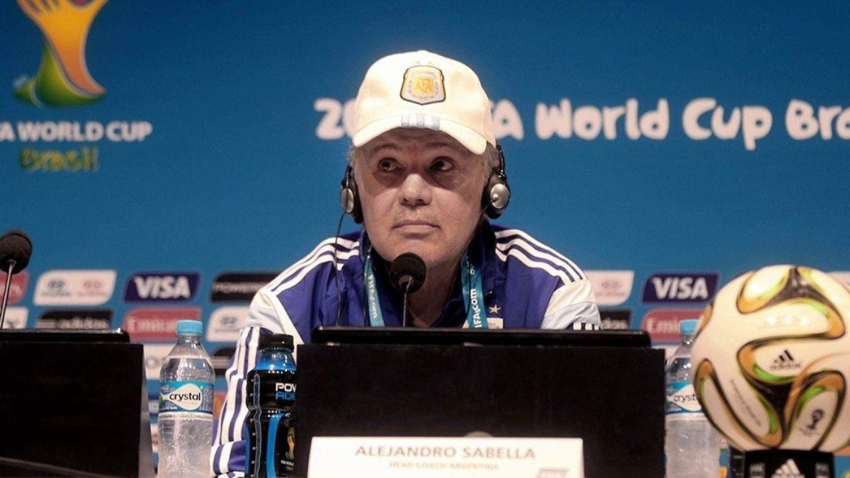 Alejandro Sabella internado con pronóstico reservado