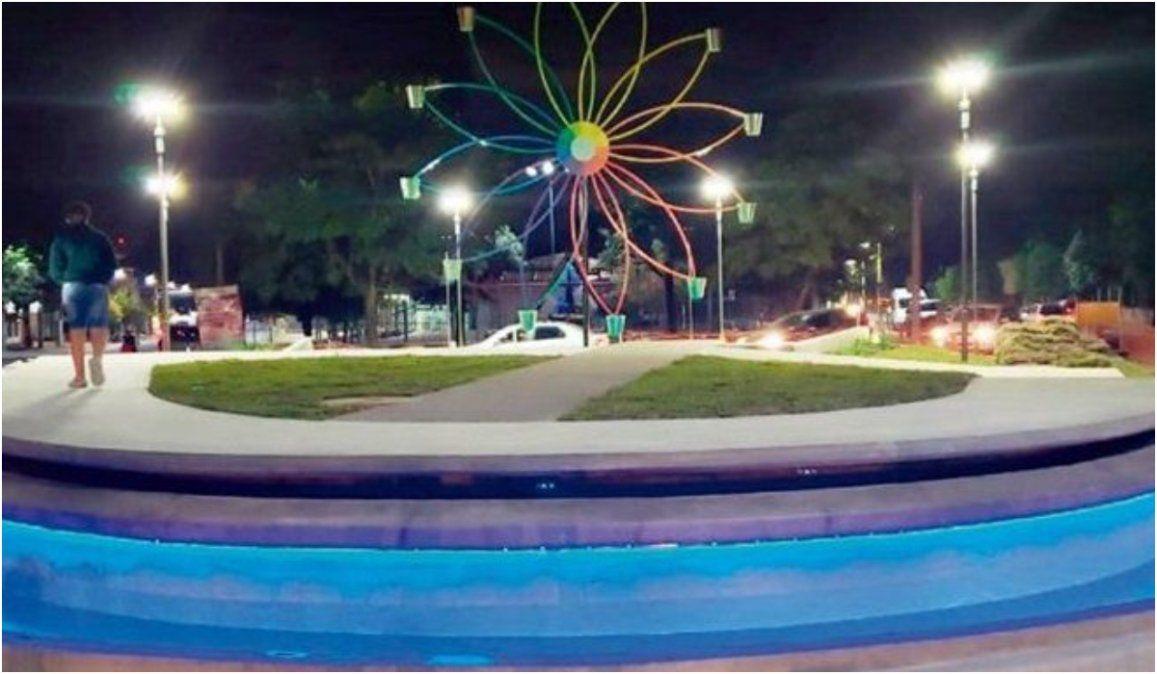 La historia detrás de la foto: el homenaje de la Fuente de los Estudiantes a la FNE