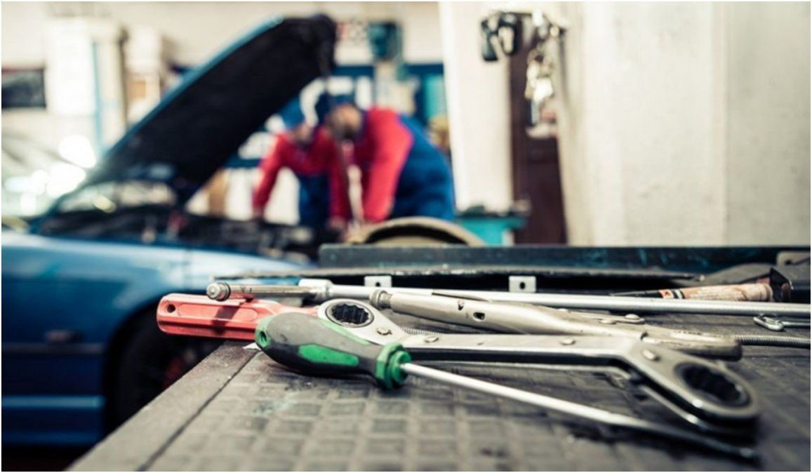 Desde el lunes reabren bancos, talleres mecánicos y gomerías