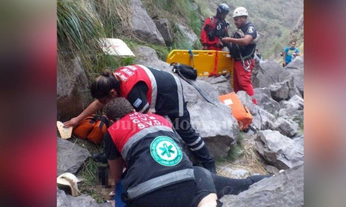 Terrible accidente en Yala: Paseaba por una cascada y se cayó de 15 metros