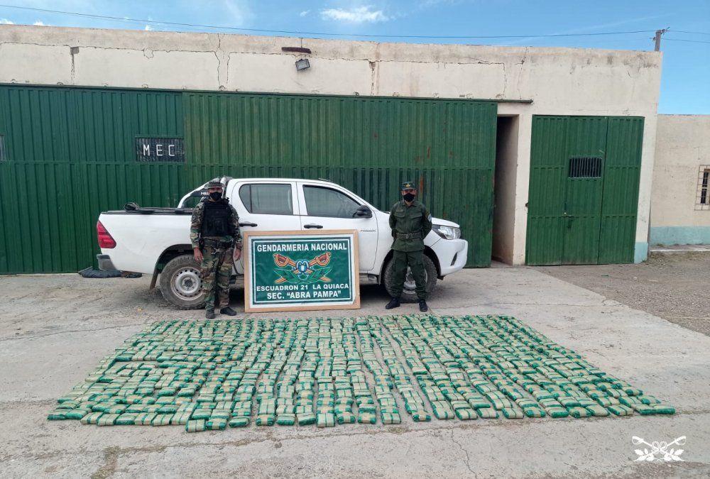 Tres argentinos y dos bolivianos detenidos con 160 kilos de hojas de coca